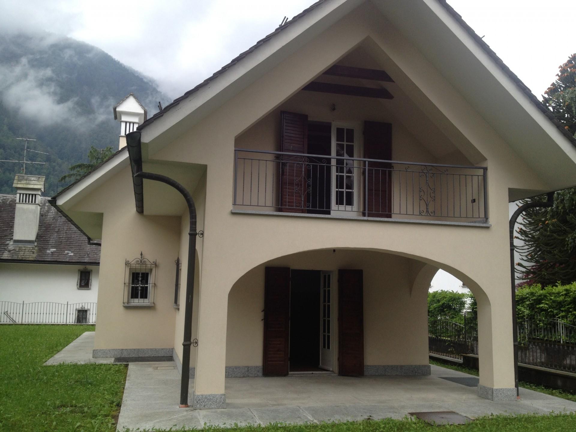 Casa indipendente con giardino in vendita a santa maria maggiore v0006 - Case in affitto vigevano con giardino ...